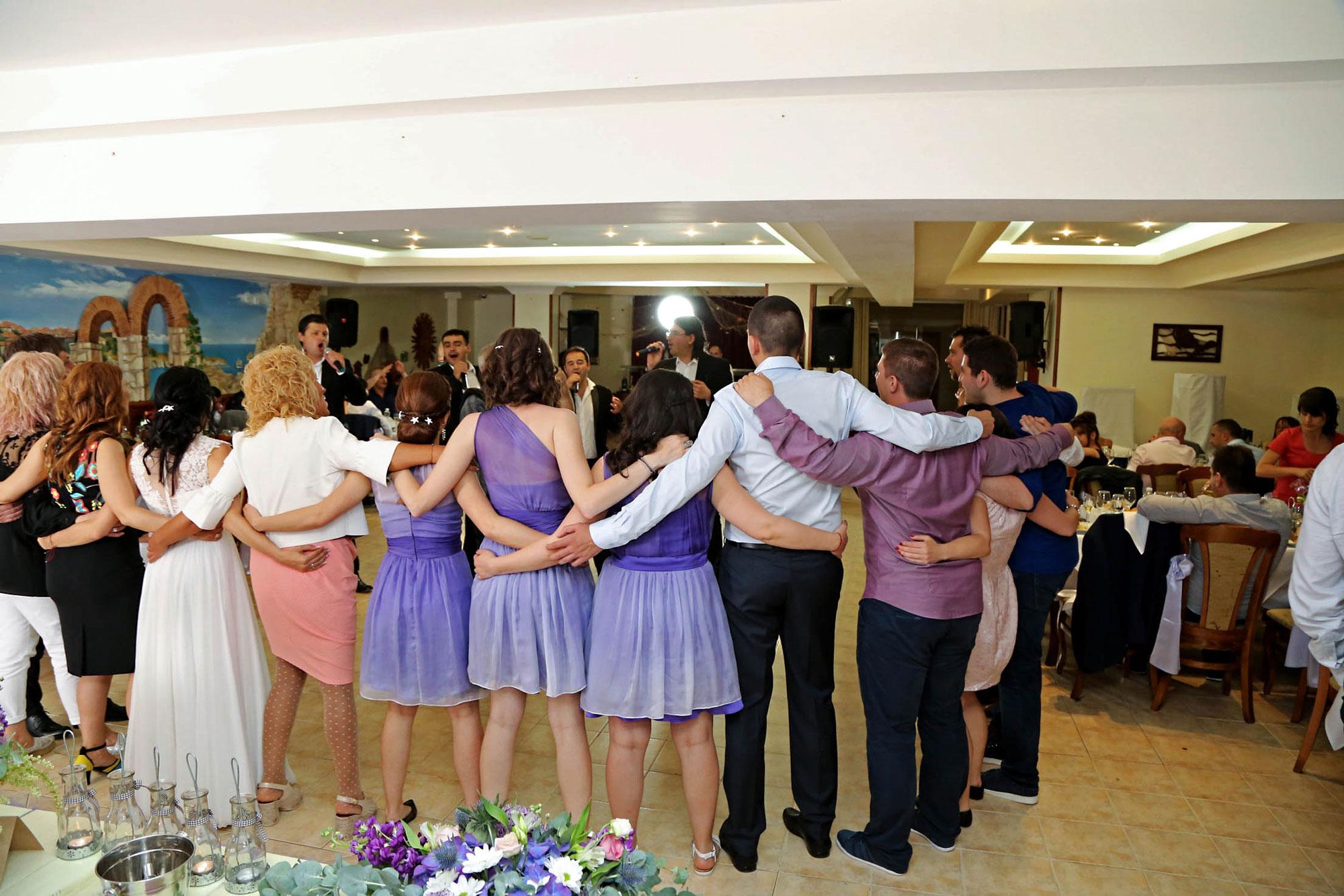 група за сватба